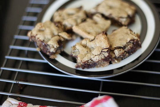 Gluten Free Chocolate Chip Cookie Bars by Irvin Lin of Eat the Love. www.eatthelove.com