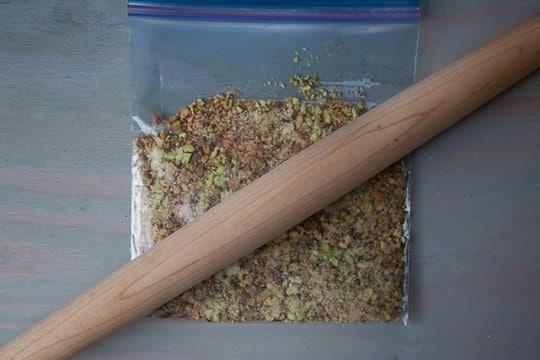 Crust pistachios