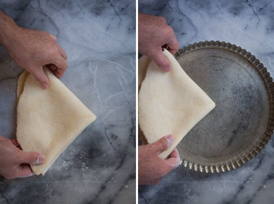 Fit the dough into the tart pan.