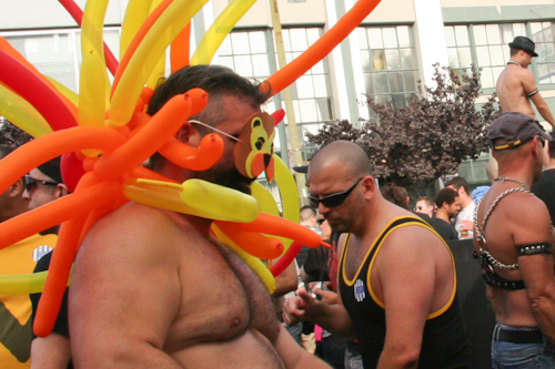 Folsom-Street-Fair-2011-Irvin-Lin-Eat-The-Love jpg