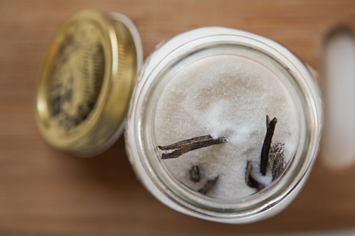 Vanilla-Extract-Sugar-Salt-Eat-The-Love-Irvin-Lin-4