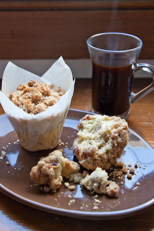 Cherry-Pistachio-Cornmeal-Streusel-Topping-Muffin-Eat-The-Love-Irvin-Lin-6