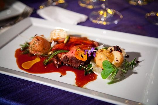 Meals-On-Wheels-Star-Chefs-Vintners-Gala-2012-Eat-The-Love-Irvin-Lin-59
