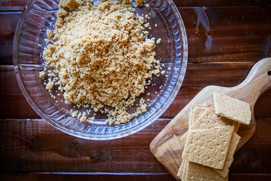 Attune Foods Graham Cracker Crust Pie Contest judged by Irvin Lin of Eat the Love