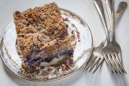 Peach and Blueberry Coffee Cake by Irvin Lin of Eat the Love. | www.eatthelove.com | #coffeecake #blueberries #peaches #recipe