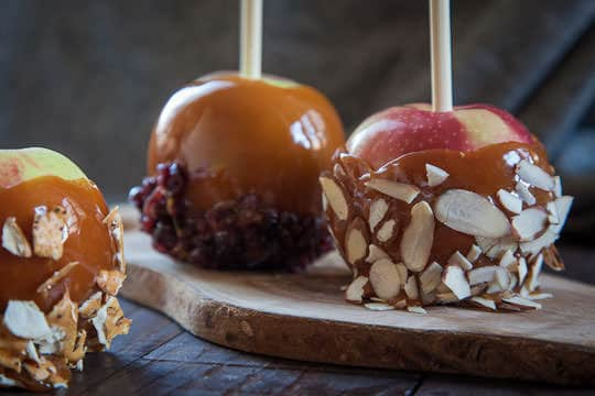 Caramel Apple Recipe by Irvin Lin of Eat the Love | www.eatthelove.com