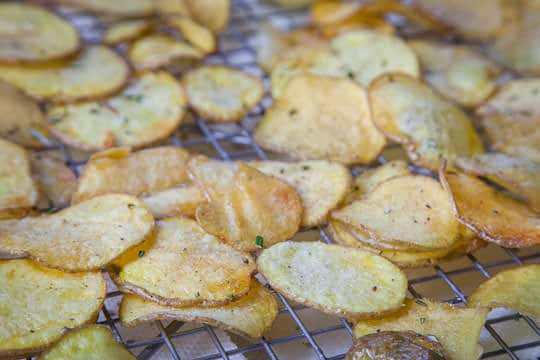 Homemade potato chips. Photo and recipe by Irvin Lin of Eat the Love. www.eatthelove.com