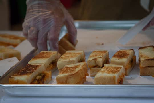 Grilled Pimento Cheese Sandwiches from Hugh Acheson of The National. Photo by Irvin Lin of Eat the Love.