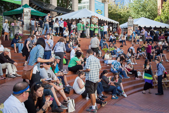 The crowd at the Feast Portland Oregon Bounty event. Photo by Irvin Lin of Eat the Love.