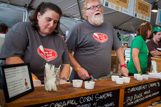 Serving up ice cream at Oregon Bounty event. Photo by Irvin Lin of Eat the Love.