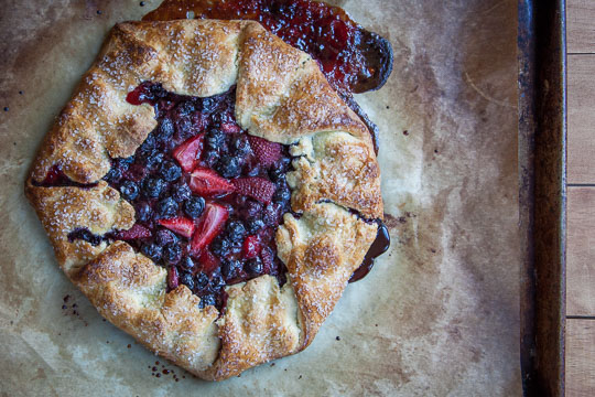 Summer berry tart with blueberries, strawberries and a crisp corn crust! Photo and recipe by Irvin Lin of Eat the Love.