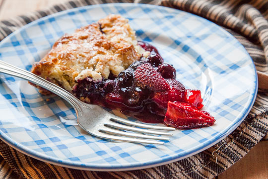 Berry tart recipe with blueberries, strawberries and a crisp corn crust! Photo and recipe by Irvin Lin of Eat the Love.