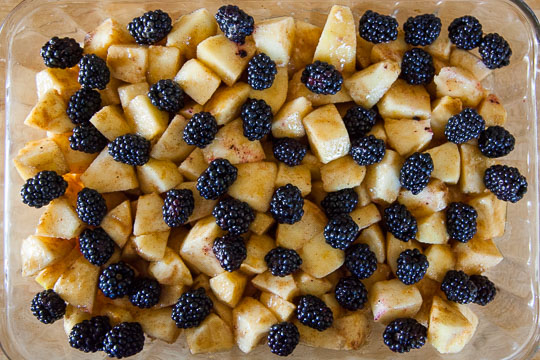 Sprinkle the blackberries over the apple filling. Photo by Irvin Lin of Eat the Love.