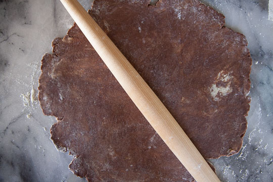 Roll the pie crust out into about an 11-inch round. Process photo by Irvin Lin of Eat the Love.