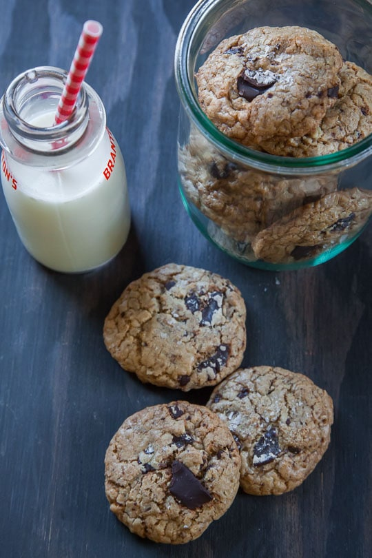 Oatmeal Chocolate Chip Cookie <- The Best EVER! Photo and recipe by Irvin Lin of Eat the Love.
