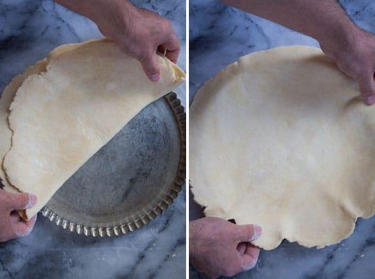 Fit the dough into the tart pan.