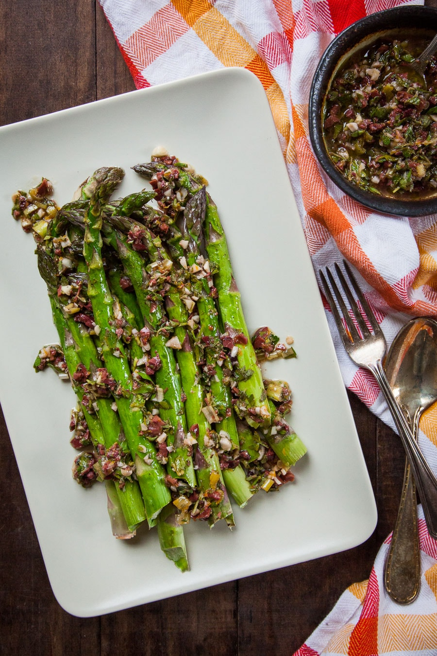 Roasted Asparagus with Olive and Herb Dressing. An easy and fast vegetable side dish. Photo and recipe by Irvin Lin of Eat the Love.