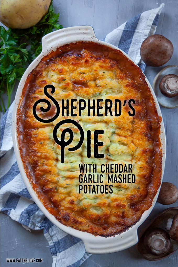 Shepherd's Pie, a savory ground lamb casserole dish. #shepherdspie #cottagepie #groundlamb #lamb #groundbeef #mashedpotatoes #casserole #dinner #recipes #meal